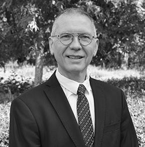 Karl Martin-Chargé de développement international