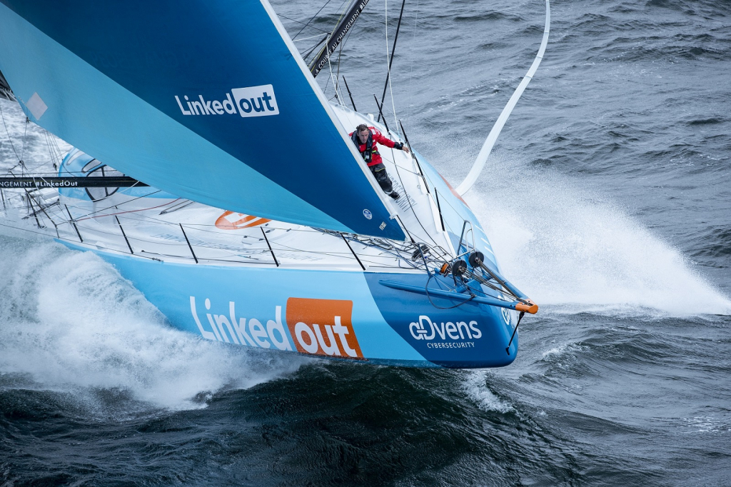 Thomas RUYANT, bateau LinkedOut sur le Vendée Globe 2020, est équipé par COUSIN Trestec. Photo Pierre Bouras / TR Racing